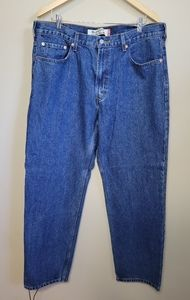 NWT Levi's Relaxed Fit Size 38x32